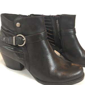 Bare traps black booties size woman's 8